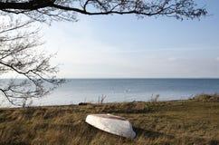 镇静沿海春天视图 免版税图库摄影
