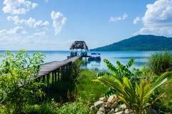 镇静湖贝登在危地马拉 免版税库存照片