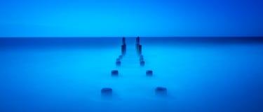 镇静蓝色海洋 库存照片