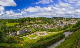 镇Fougeres全景在布里坦尼法国 免版税库存图片