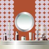 镜子和梳妆台与构成和烛台 免版税图库摄影