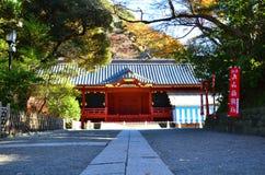 镰仓,日本- 2016年12月:Tsurugaoka Hachimangu寺庙 免版税库存照片