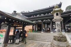 镰仓,日本2016年1月29日:有雨的Hase-dera寺庙 免版税图库摄影