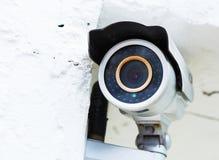 镶嵌墙上的监视器 免版税库存图片