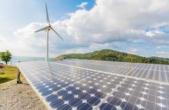 镶板太阳涡轮风 绿色能量在普吉岛,泰国 免版税库存图片