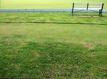 长凳保龄球俱乐部草坪 免版税库存照片