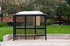 长凳公共汽车站 库存图片
