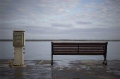 长凳和小船充电器,萨莫斯岛,希腊 免版税库存图片