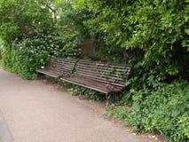 长凳在公园伦敦 库存图片