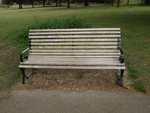长凳在公园在伦敦 免版税图库摄影