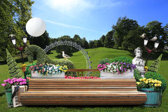 长凳在城市公园 免版税库存照片