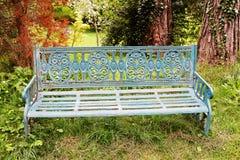 长凳在Avoca公园在Kilmacanogue 免版税库存照片