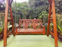 长凳由木头制成 库存图片