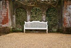 长凳石渣路径白色 库存照片