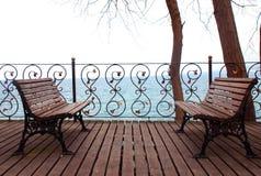 长凳空的查找的海运 库存照片