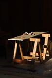 长凳锯木架工作 免版税图库摄影