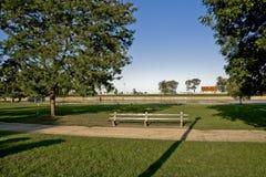 长凳长的公园视图 图库摄影