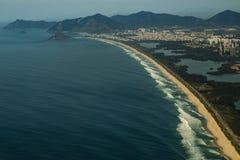 长和美妙的海滩, Recreio dos Bandeirantes海滩,里约热内卢巴西 库存图片