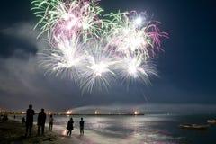 长处dei Marmi意大利烟花海滩  免版税库存照片