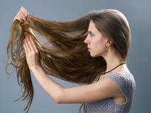 长女孩的头发 免版税图库摄影
