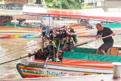 长尾巴小船人,泰国 免版税库存图片