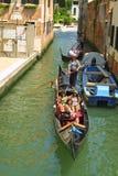 长平底船乘客威尼斯 免版税库存照片