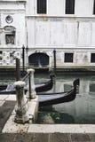 长平底船和共和国总督` s宫殿在威尼斯,意大利 免版税库存照片