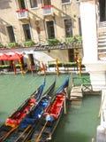长平底船威尼斯意大利 免版税库存图片