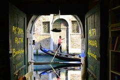 长平底船威尼斯 免版税图库摄影