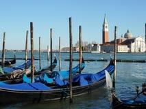 长平底船春天威尼斯 库存照片
