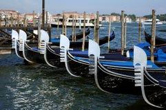长平底船特写镜头在圣马可广场,威尼斯停放了 库存图片