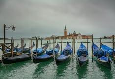长平底船驻地在威尼斯- 2017年11月 库存照片