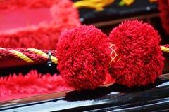 长平底船,威尼斯,意大利美好的红色细节  图库摄影