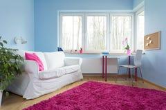 长毛绒玫瑰色地毯 免版税库存照片