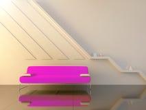长沙发内部现代空间坐的紫罗兰 免版税库存图片