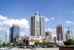 长沙瓷:城市交通和大厦 库存图片