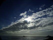 长的云彩形成 免版税库存照片