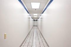 长的可怕的走廊 免版税库存照片