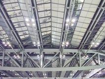 长的宽度及坡度相等的屋顶结构 图库摄影