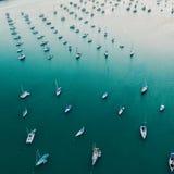 长的小游艇船坞 图库摄影