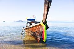 长的小船在泰国 图库摄影