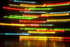 长的曝光光背景 在行动的发光的光 免版税库存图片