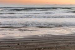 长的曝光海滩场面 图库摄影