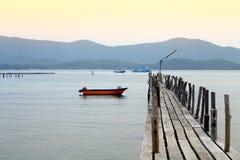 长的桥梁在海运 免版税库存照片