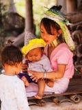 长的脖子妇女在泰国 免版税库存图片