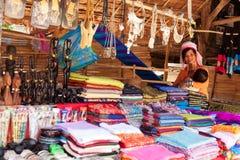 长的脖子妇女,泰国 免版税库存图片