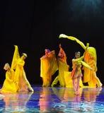 长的袖子是在舞蹈-舞蹈戏曲的一个好处神鹰英雄的传奇 免版税图库摄影