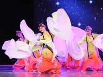 长的袖子-所有花一起开花-京剧舞蹈 免版税图库摄影