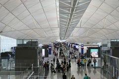 长的走廊在香港机场 图库摄影