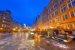 长的车道街道的冬天风景在格但斯克 库存图片